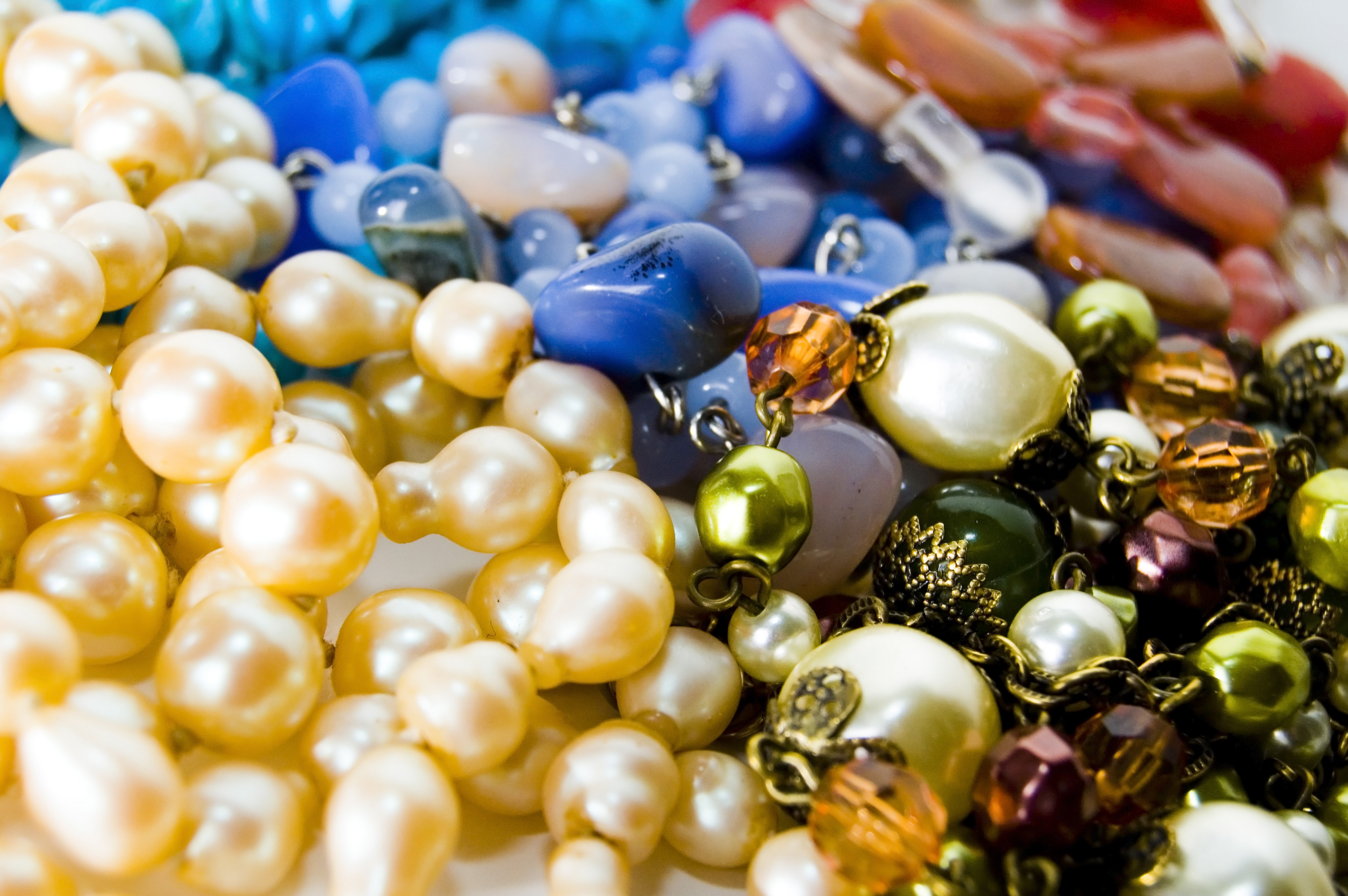 jewels-beads-932528_22649788