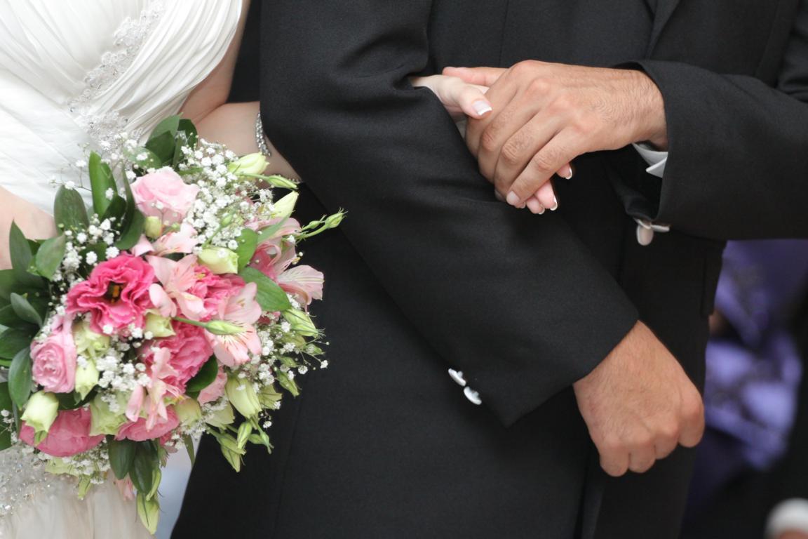 wedding-bride-groom-1345271_43052608